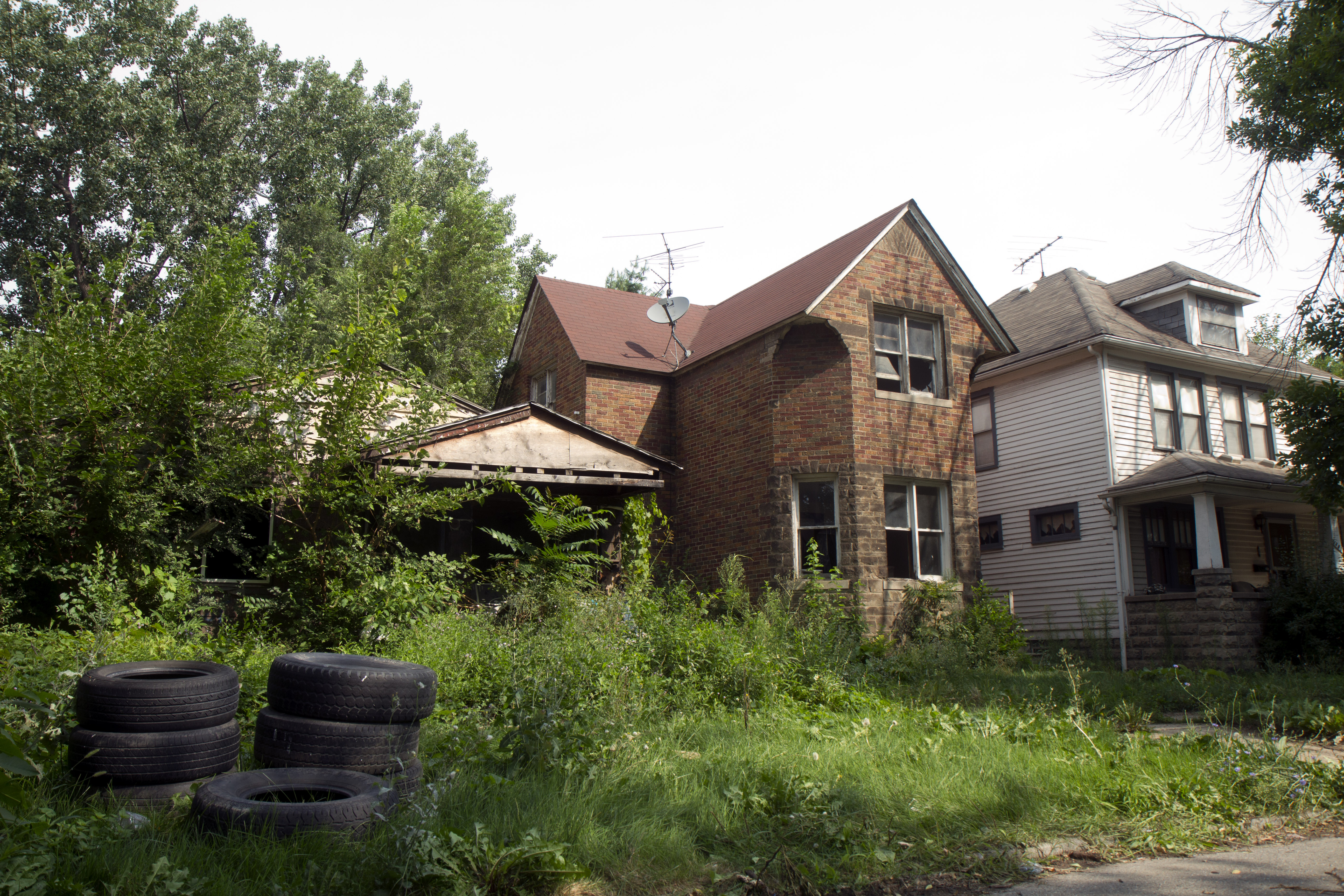 Detroiters refuse to relocate for oil giant