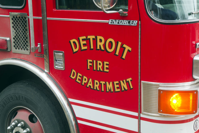 Firefighters, neighbors rescue 4 unattended children from burning home in Detroit