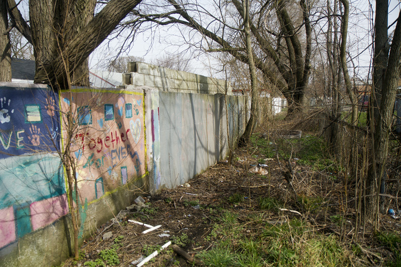 8 mile wall 2567 for Motor city pawn shop on 8 mile