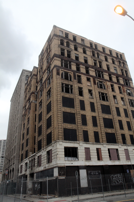 Crews demolish Hotel Charlevoix in downtown Detroit