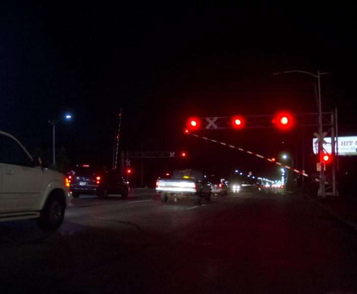 Railroad crossing on Gratiot malfunctions, stranding people (video)