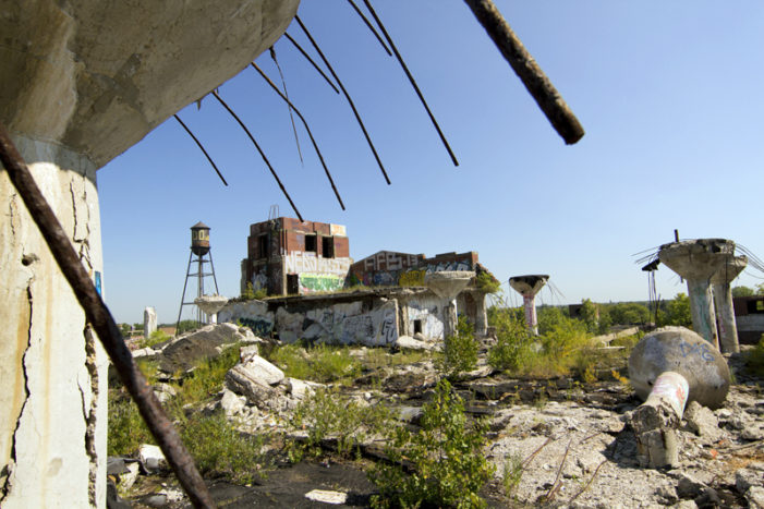 Bidder must pay $1.8 million today to buy Packard Plant