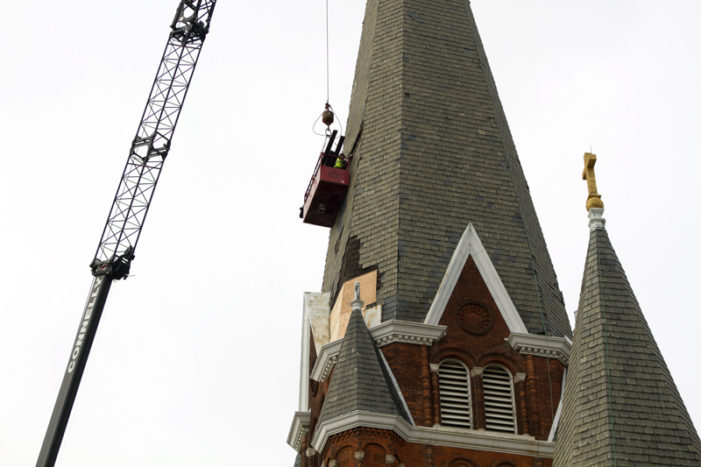 Leaning, iconic spire may vanish from Detroit skyline