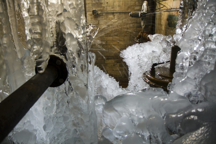 Findings: 1 of 5 vacant buildings gushes with running water in Detroit