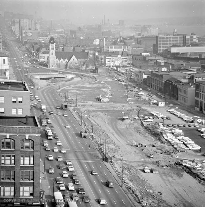 Jan. 30, 1959: Construction begins on Detroit's Chrysler Freeway