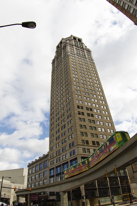 Historic, newly renovated high-rise in Detroit evacuated after pipes burst