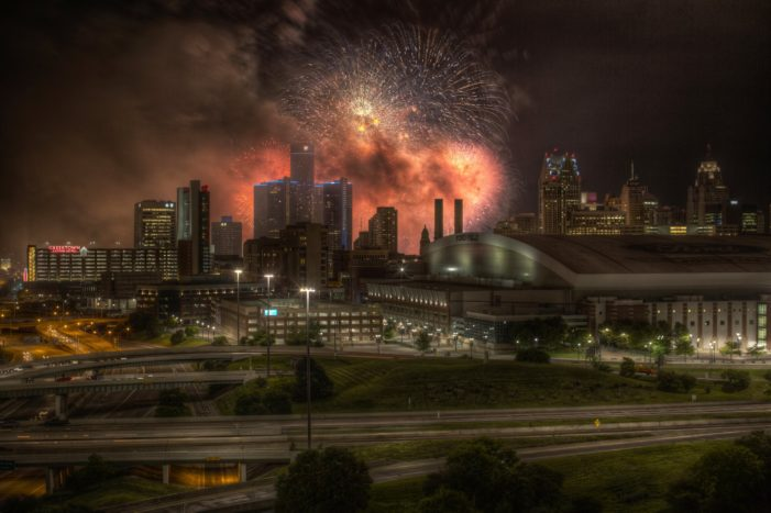 7 incredible photos from Detroit's fireworks