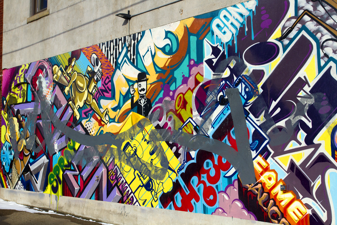 Graffiti 39 war 39 between sintex out of towners turns ugly for Blood in blood out mural la river