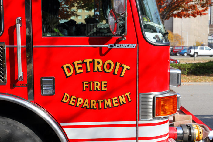 1 dead, 4 injured in separate morning fires in Detroit