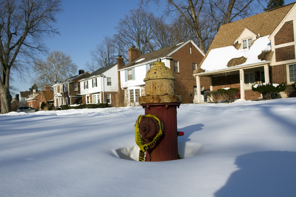 Broken hydrant in front of occupied houses at Stahalin and Eaton. Steve Neavling/MCM
