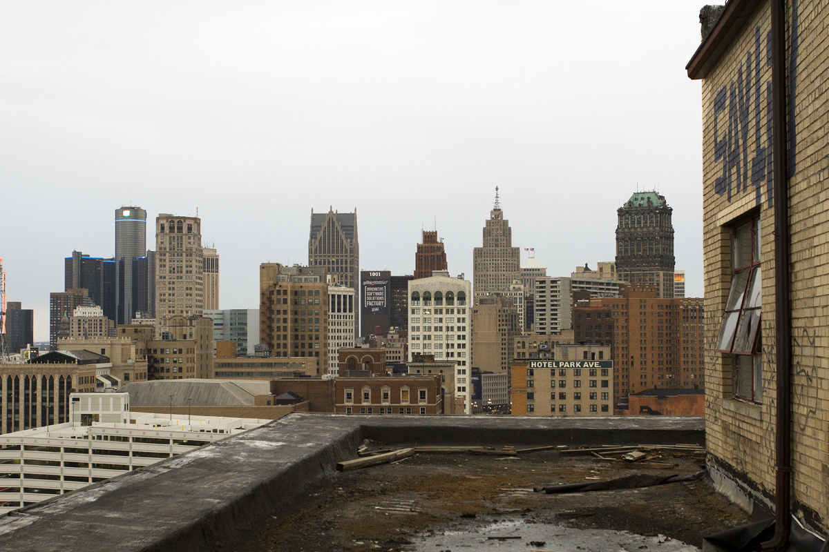 Rare glimpse inside vacant hotel park avenue before for Motor city casino parking