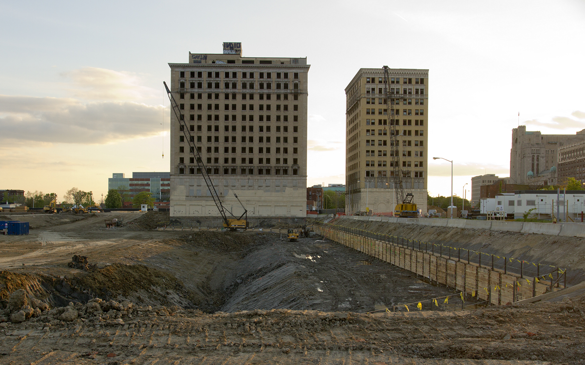 The Hotel Park Avenue (left) stands at the footprint new Red Wings arena in Detroit.