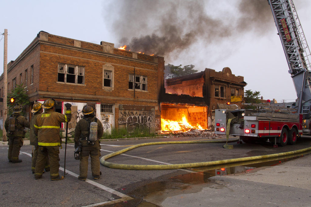 A fire gutted a city-owned building that used to be a furniture store on Chene. Photo by Steve Neavling/MCM