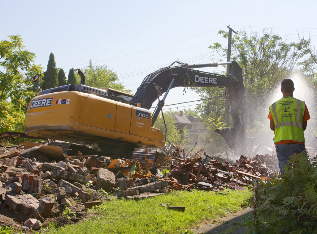 A Detroit Land Bank demolition. Photos By Steve Neavling.