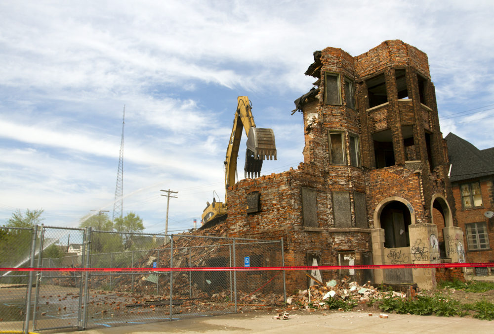 This apartment building at 438 Selden was demolished Monday. All photos by Steve Neavling.