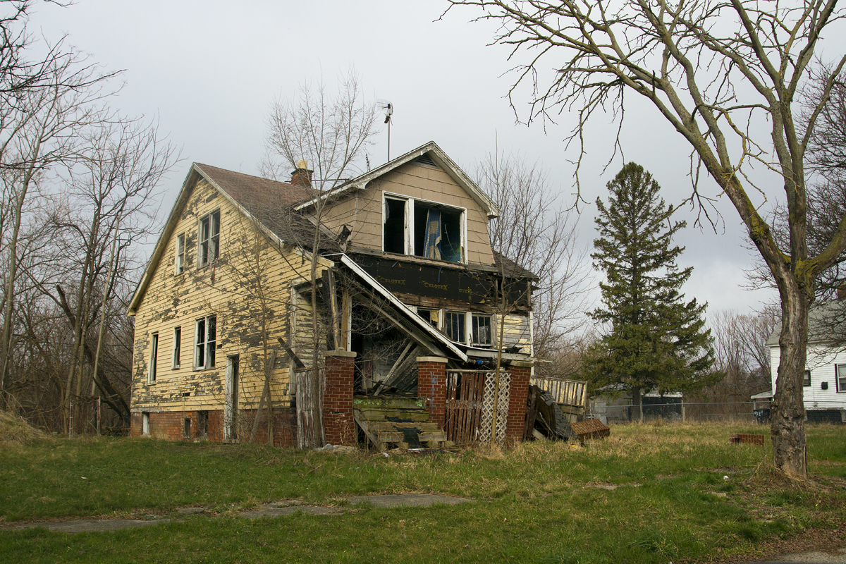 Vacant house in Detroit. Photo by Steve Neavling.